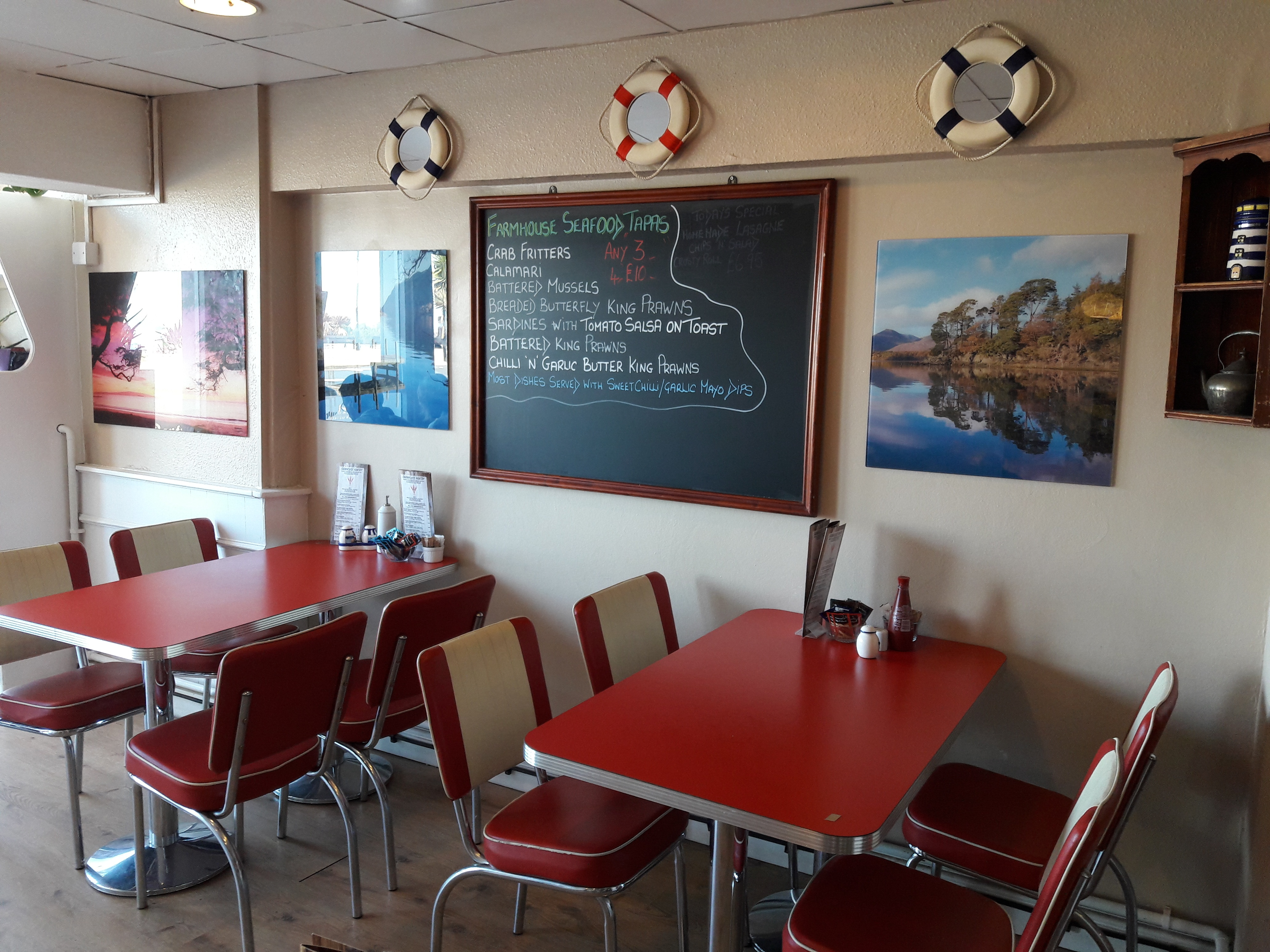Lovely retro-style seafront cafe and restaurant
