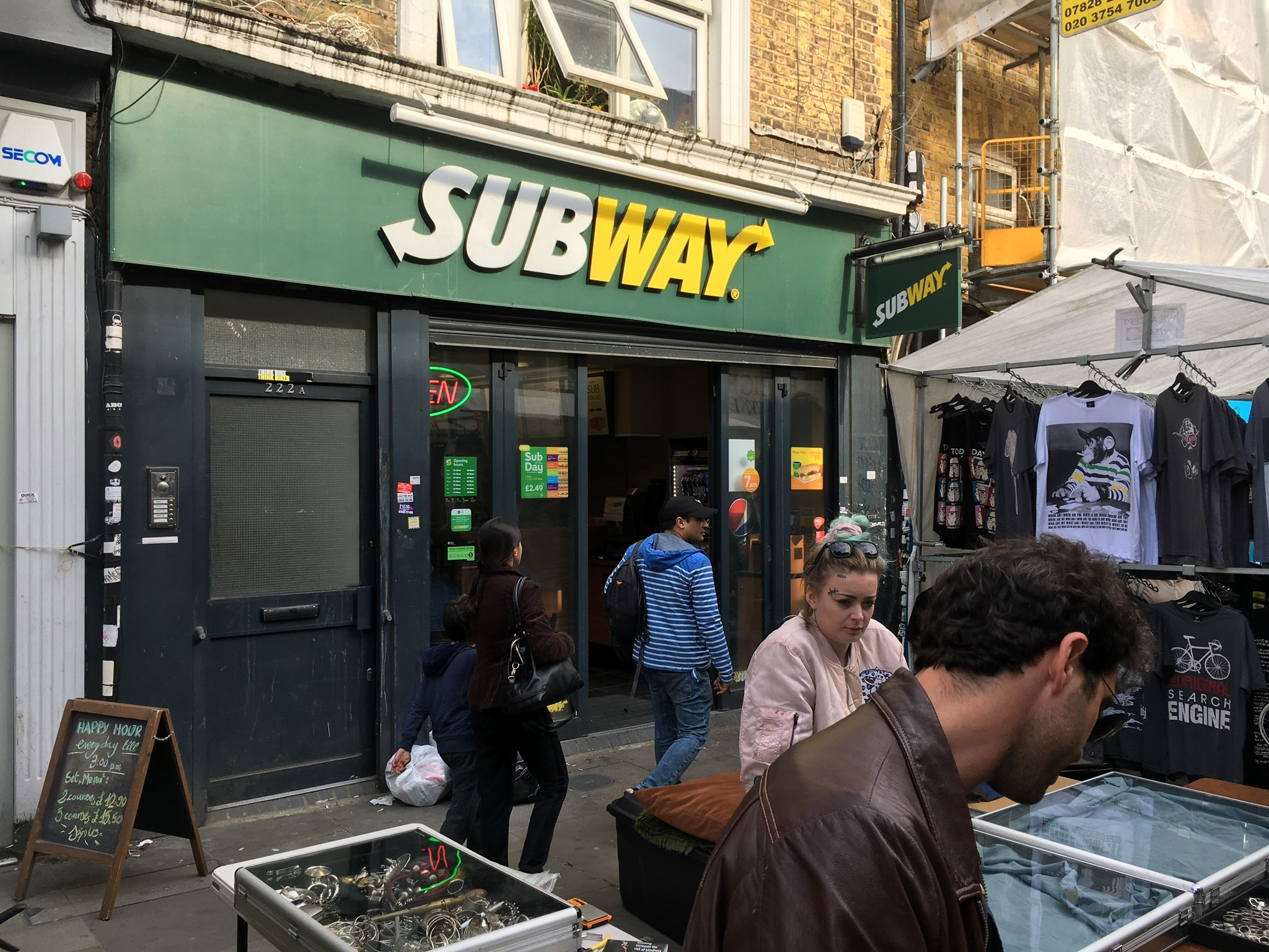 Subway in Prime Commercial and Residential area with extended hours and one of the most famous London Markets