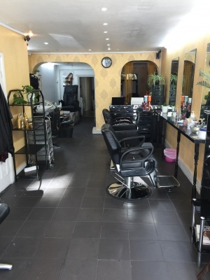 Well Established Hair and Beauty Salon in Prime Hounslow Location