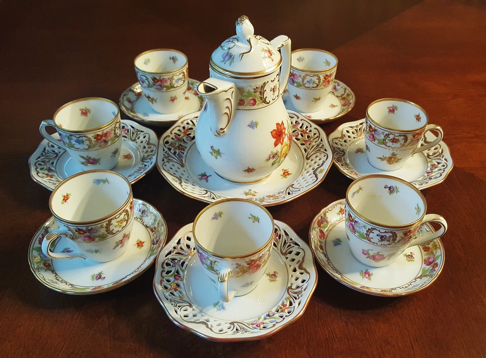 International Chinaware and Unique Inventory