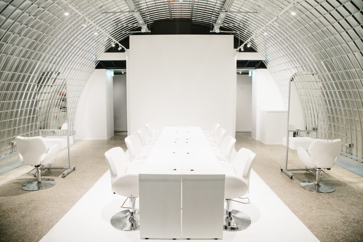 Stunning fit out - hairdressing in a busy street - railway arch - Zone 2