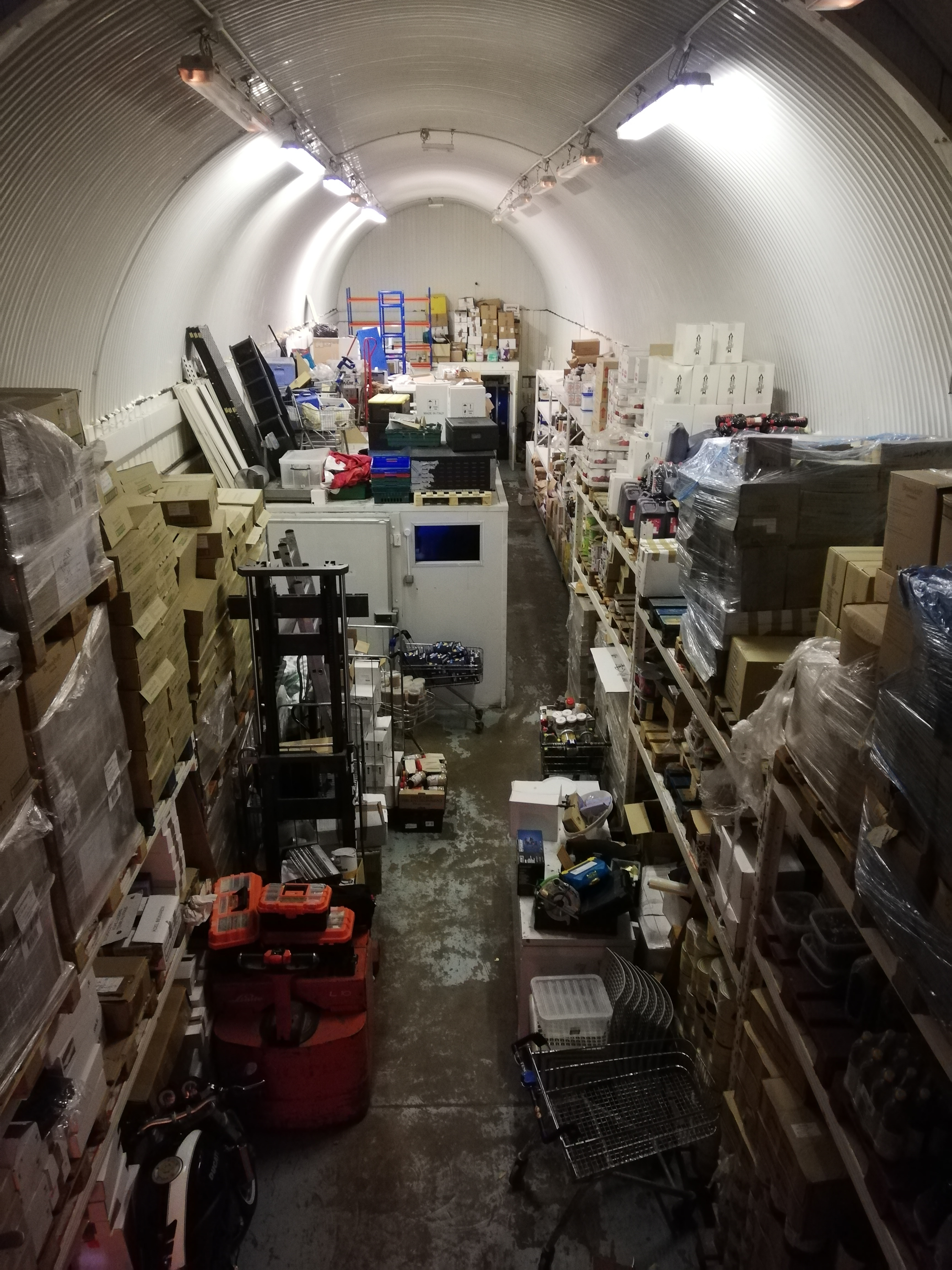 An authentic Italian food importer in South London (SE1)